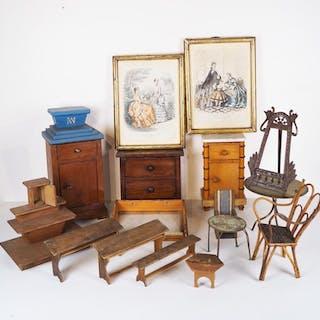 Ensemble de mobilier miniature divers