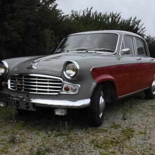 STANDARD VANGUARD LUXURY SIX - Marque : STANDARD - Type...
