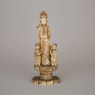 An Ivory Carved Kannon Group Okimono, Meiji Period - 日本 明治時期 牙雕觀音童子