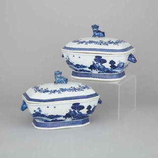 A Pair of of Blue and White Export Tureens, 19th Century - 十九世紀 外銷青花鹿耳福獅蓋碗一對