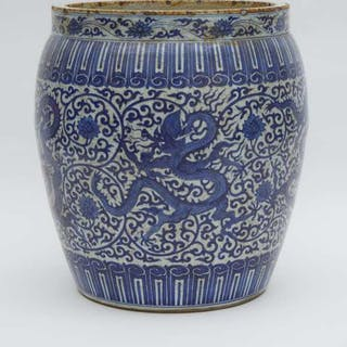 A Massive Blue and White 'Dragon' Jardiniere - 青花龍穿纏枝蓮紋大缸