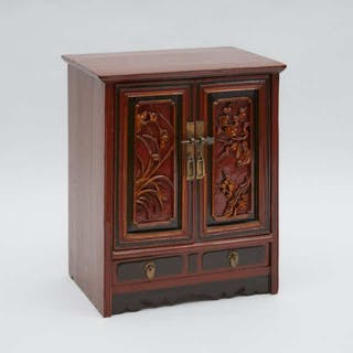 A Small Red Lacquer Cabinet - 剔紅小方角櫃