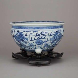 A Blue and White Porcelain 'Dragon' Basin - 青花雙龍戲珠盆帶座
