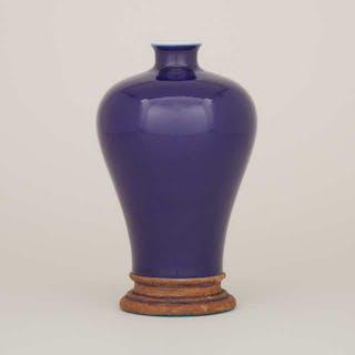 A Blue Glazed Meiping Vase, Qianlong Mark  - 霽藍釉梅瓶 「大清乾隆年製」六字篆書底款