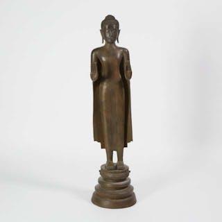 A Large Standing Bronze Buddha, Burma, Early 20th Century - 二十世紀早期緬甸 施雙無畏印銅佛立像
