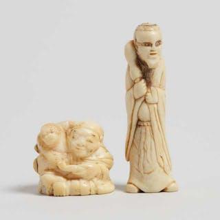 Two Antler and Marine Ivory Carved Netsuke, Edo/Meiji Period - 江戶/明治時期