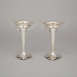 Pair of Edwardian Silver Two-Handled Vases, Elkington & Co., Birmingham, 1907 -