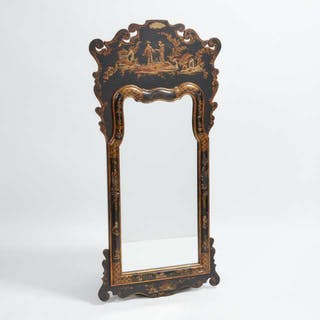Queen Anne Style Chinoiserie Lacquered Mirror, mid 20th century -