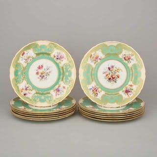 Twelve Royal Doulton Apple Green Ground Service Plates, 20th century -