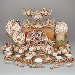 Royal Crown Derby 'Imari' (mainly 2451) Pattern Service, 20th century -