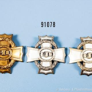 Konv. Österreich, 3 Kriegskreuze für Zivil-Verdienste, davon 2 x emailliert