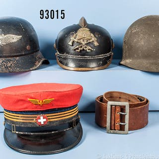 Konv. Feuerwehrhelm um 1930, komplett mit Kokarden, Kinnriemen fehlt