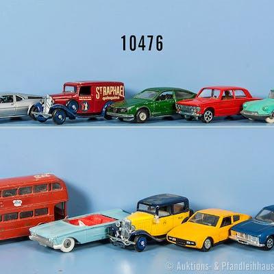 Konv. 10 Modellfahrzeuge, dabei Pkw, Sportwagen, Oldtimer und Omnibus
