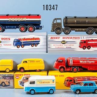 Konv. 6 Dinky Toys Replika Fahrzeuge, dabei 32 C, 517, 560, 480, 942