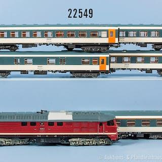 Konv. Piko H0 D-Zug, dabei Diesellok der DR, BN 130 005-2, 3-Leiter-Wechselstrom