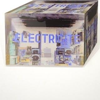 "Peschke, Marc ""The Cubes - Liquidacion Total - Electricité"""